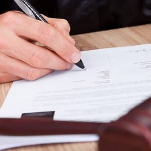 Куда и как подавать заявление на алименты после развода