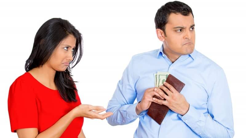 Составляем исковое заявление на взыскание алиментов на содержание супруги: образец и все нюансы